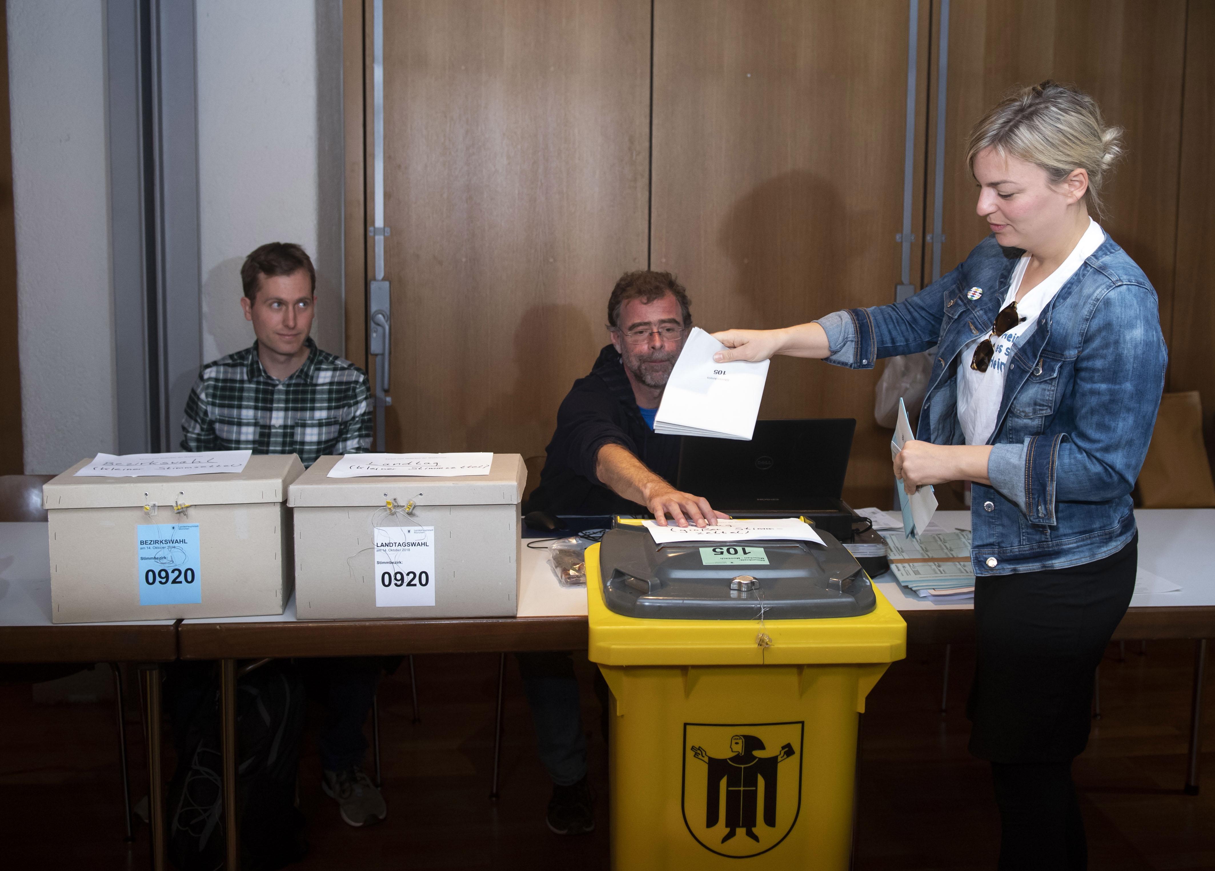 Stranke vlade Angele Merkel doživjele težak poraz u Bavarskoj