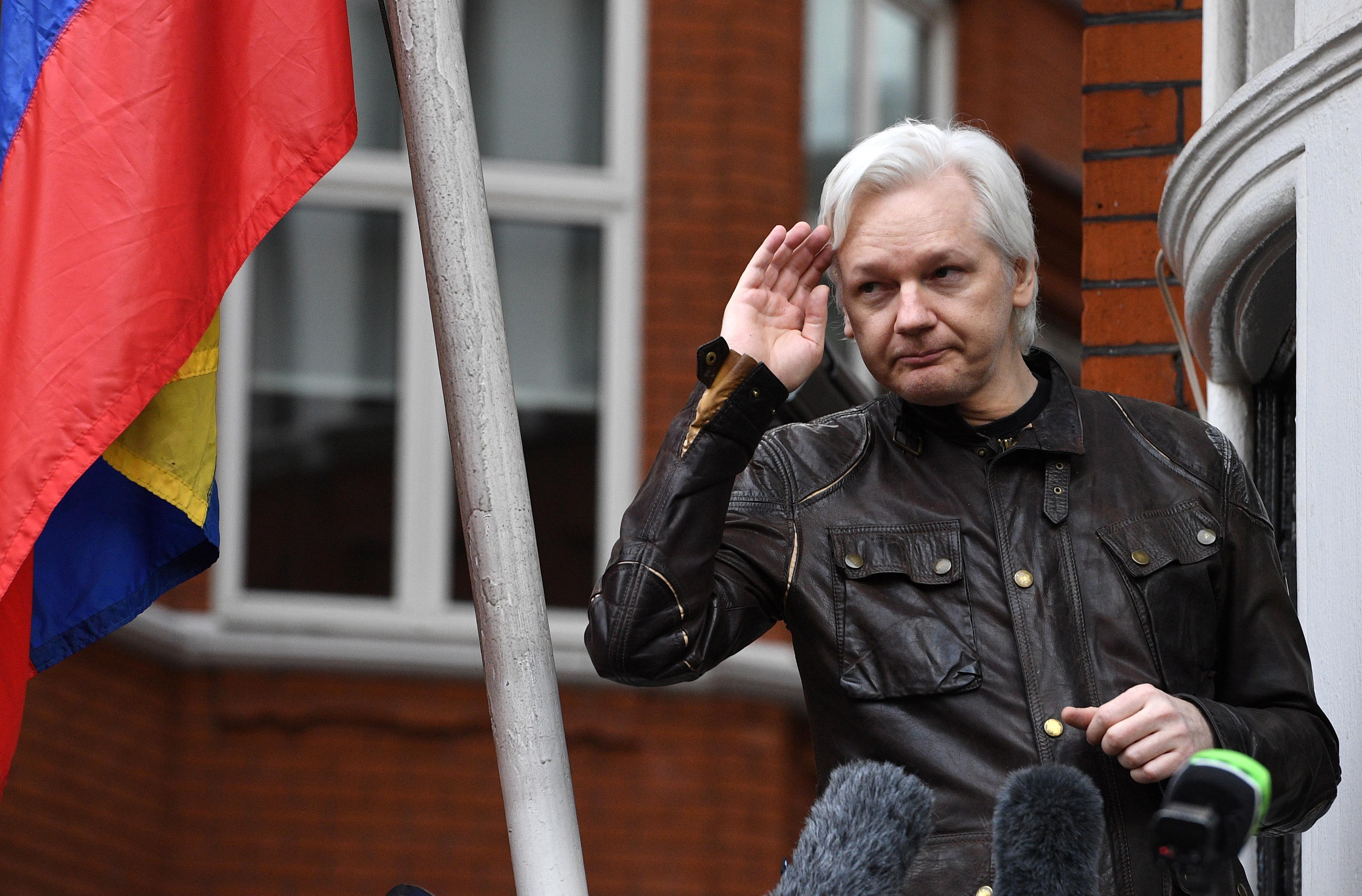 Assange tvrdi da mu Ekvador želi ukinuti azil