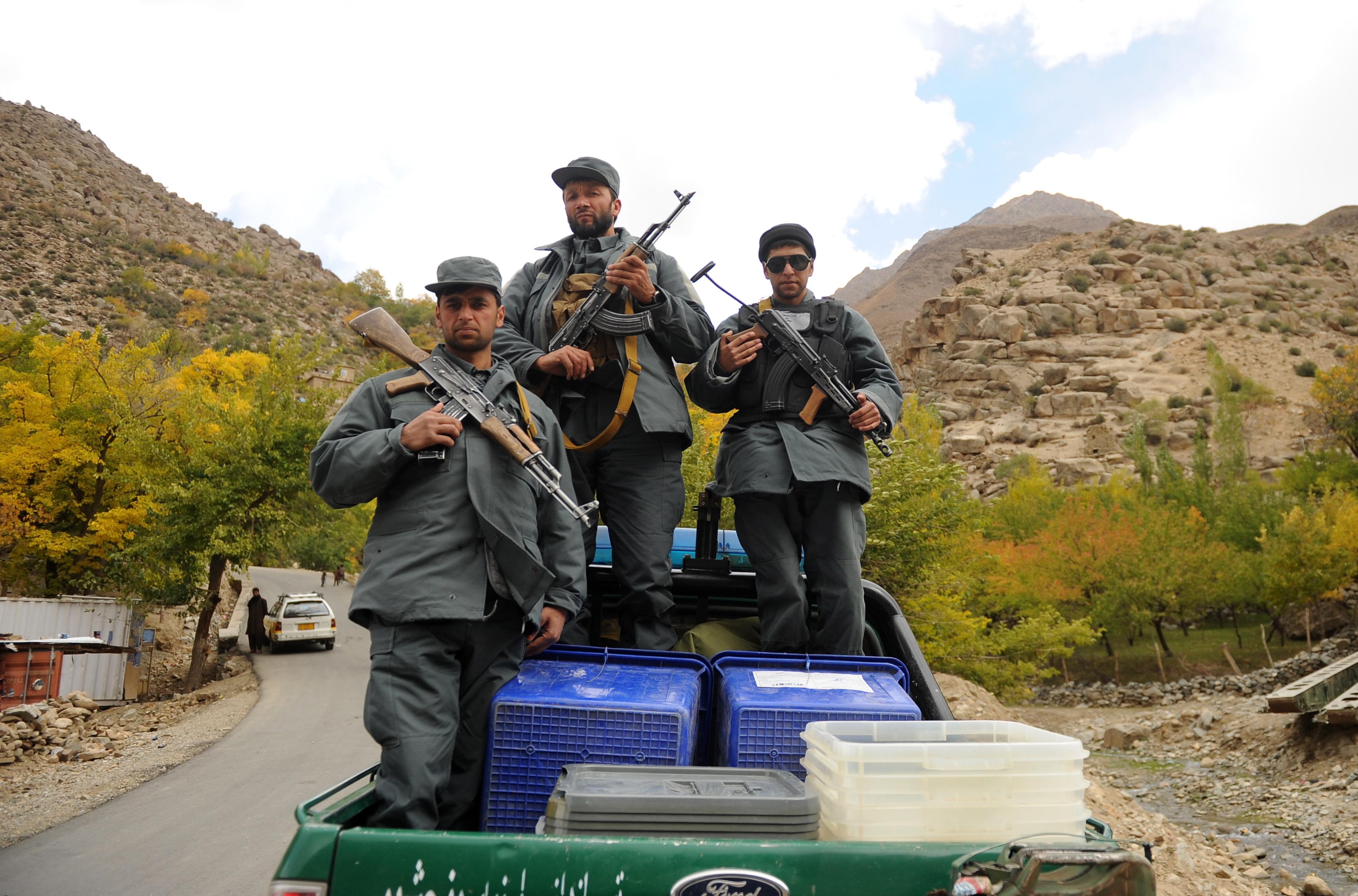 Afganistanci glasuju uslijed kaosa, korupcije i talibanskih prijetnji