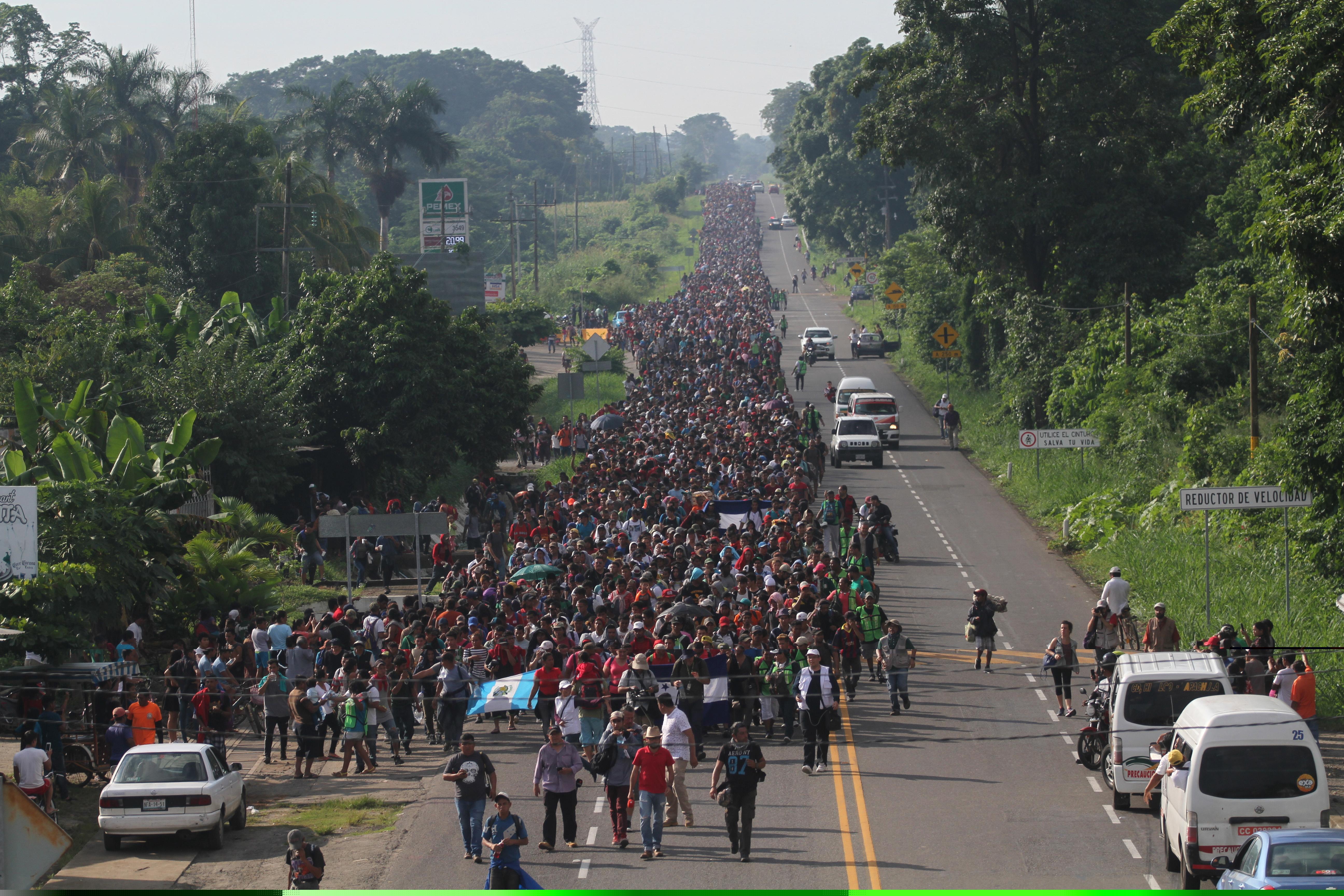 Više od 7000 migranata u karavani prema SAD-u