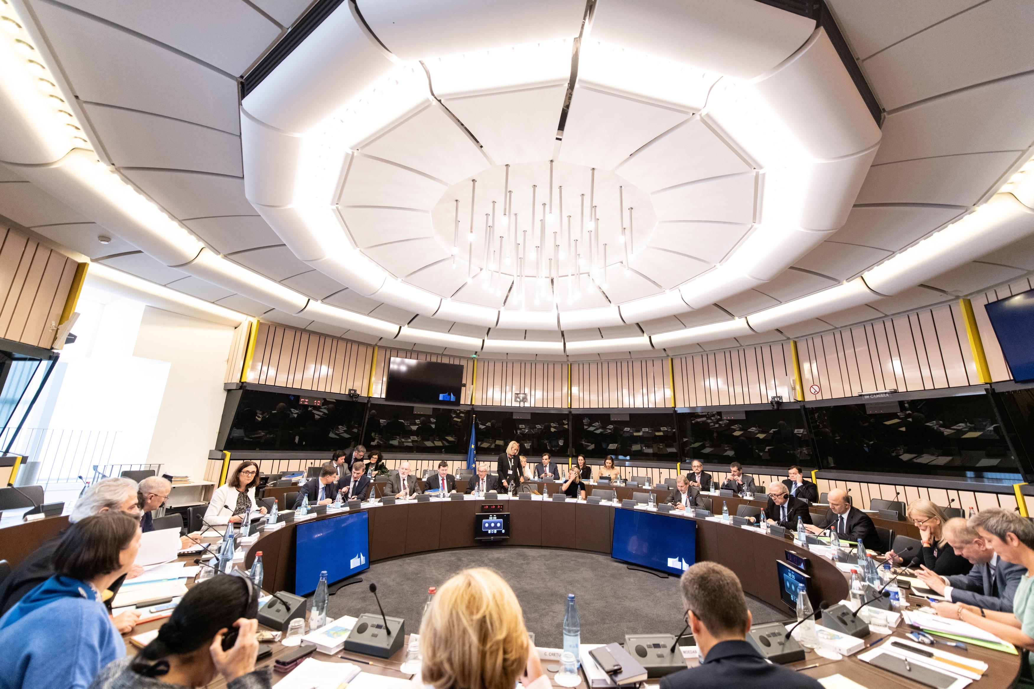 EU očekuje da će Bolsonaro jačati demokraciju u Brazilu