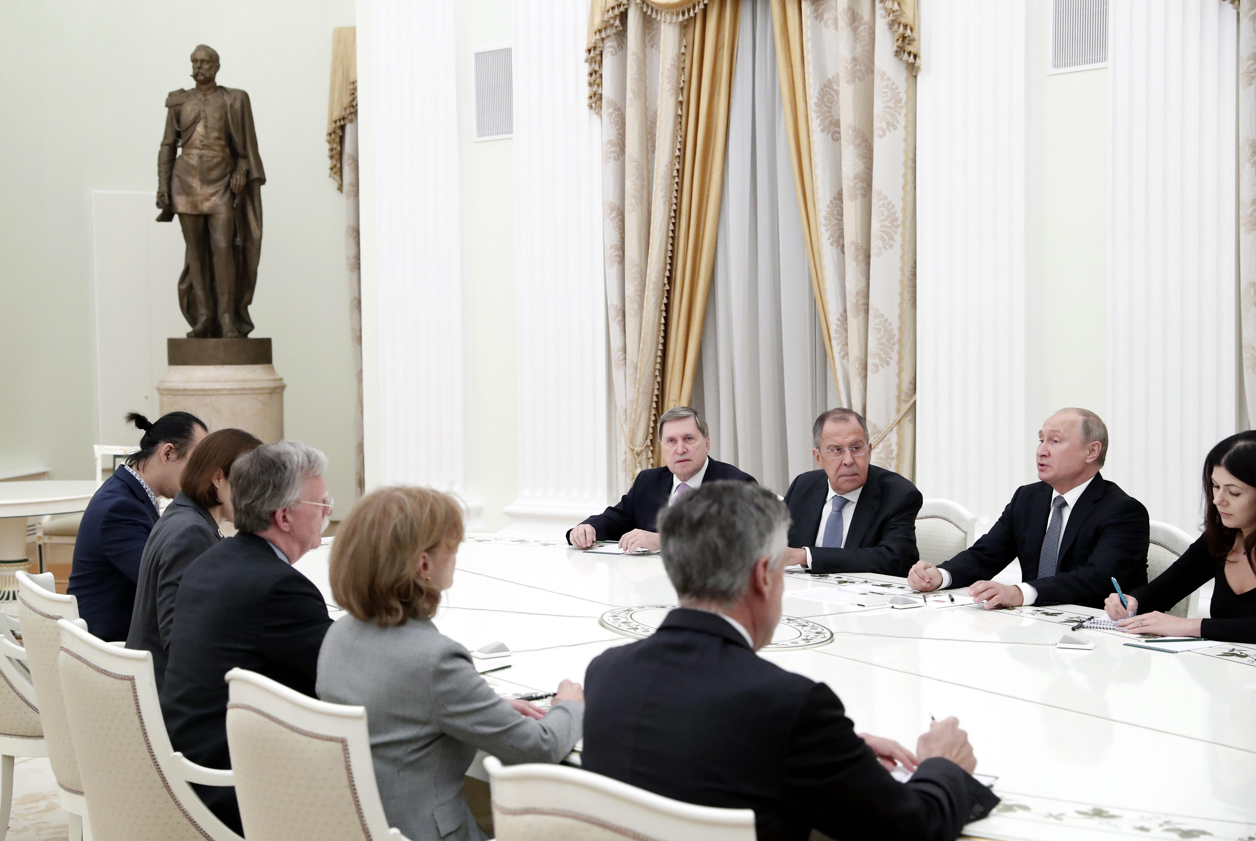 Postignut preliminarni dogovor o sastanku Trumpa i Putina u Parizu