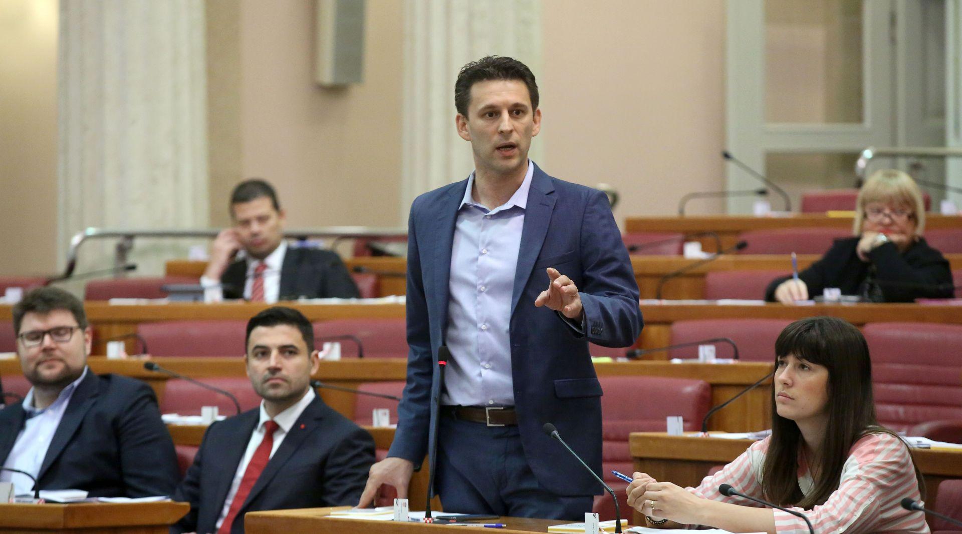 Petrov prozvao Jandrokovića zbog saborske stanke do 14. studenoga