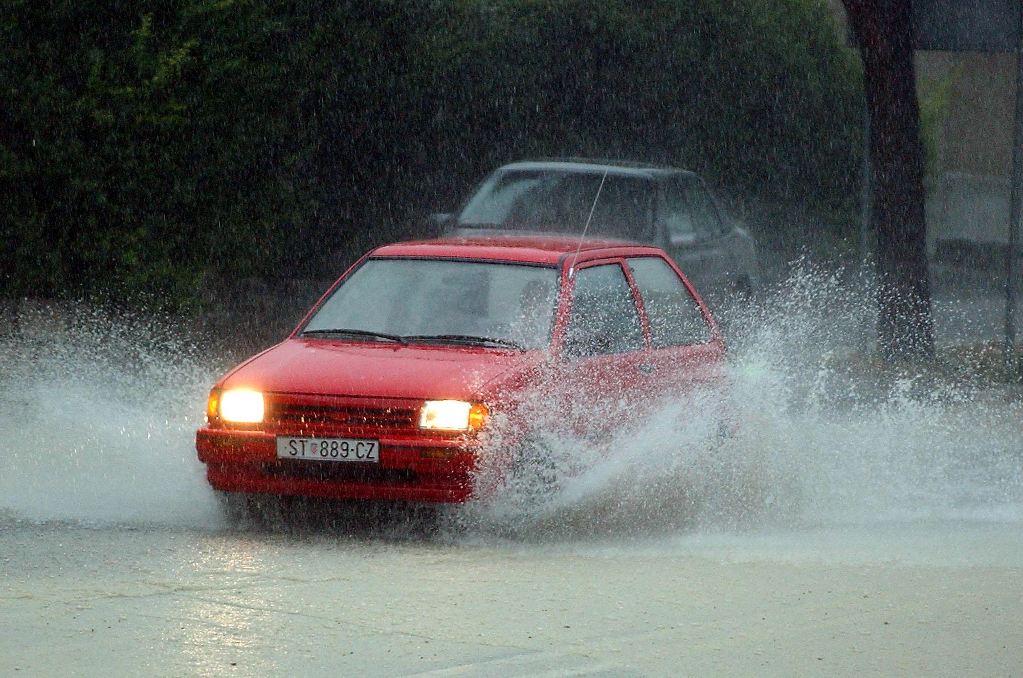 Zbog jake kiše u Splitu 120 poziva vatrogascima