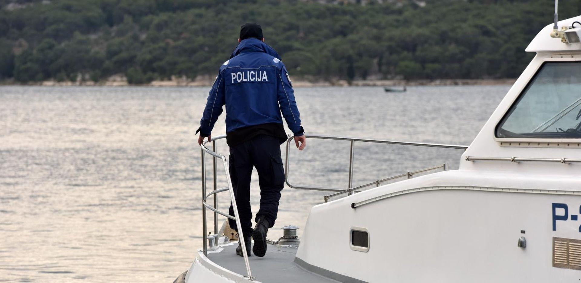 Na obali Ugljana pronađeno mrtvo tijelo nepoznate žene