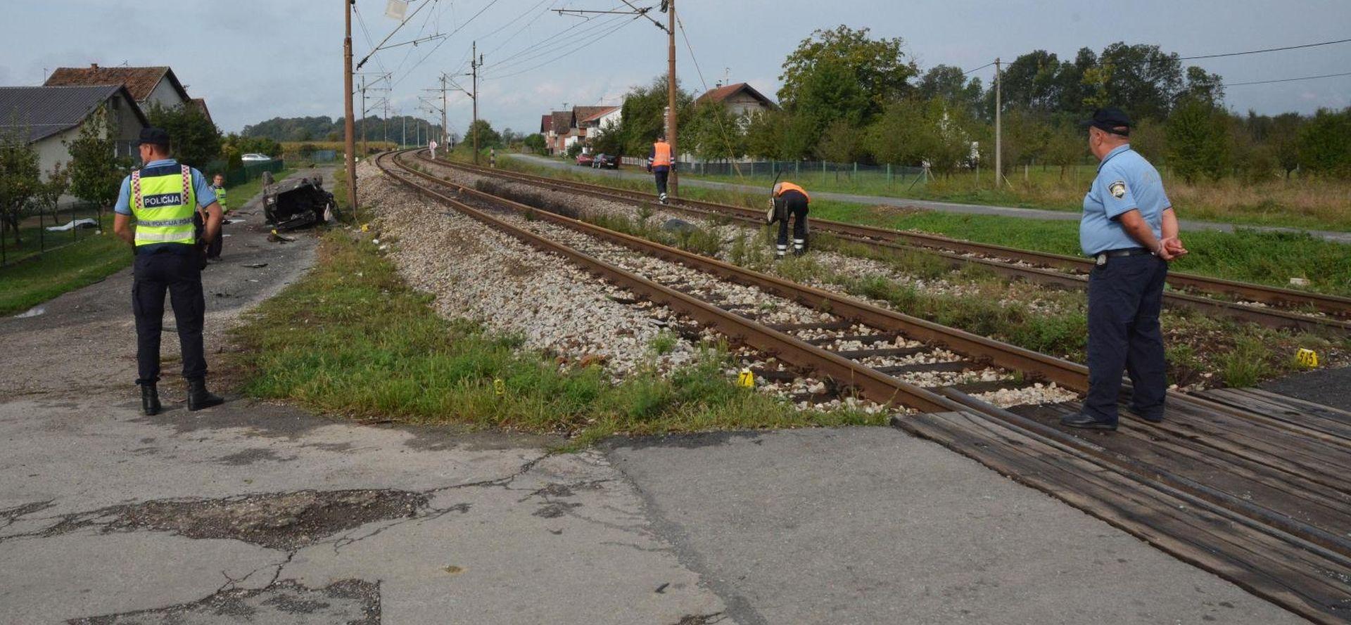 Vlak u Puli udario auto u kojem je bilo dijete