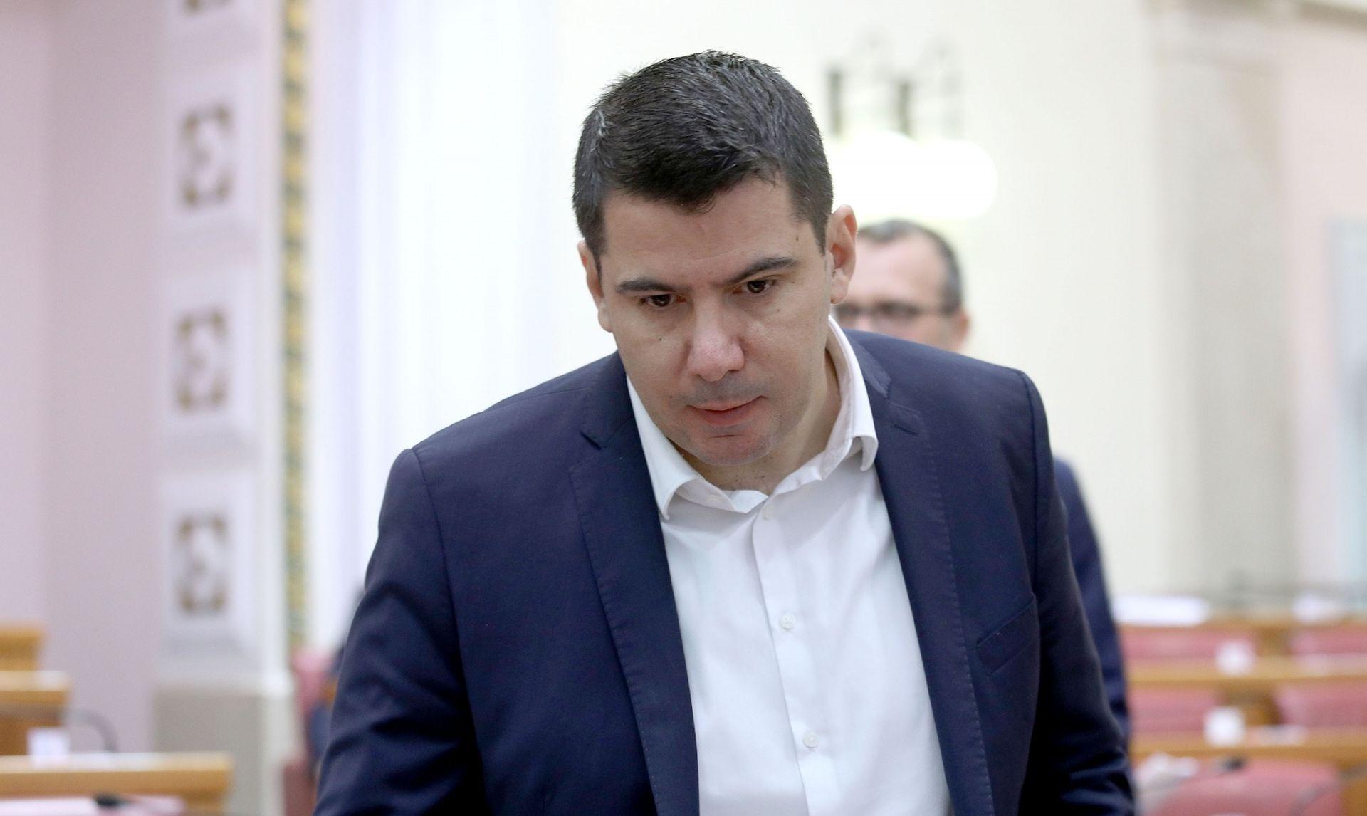 """GRMOJA """"Hrvatske su institucije okupirane"""""""