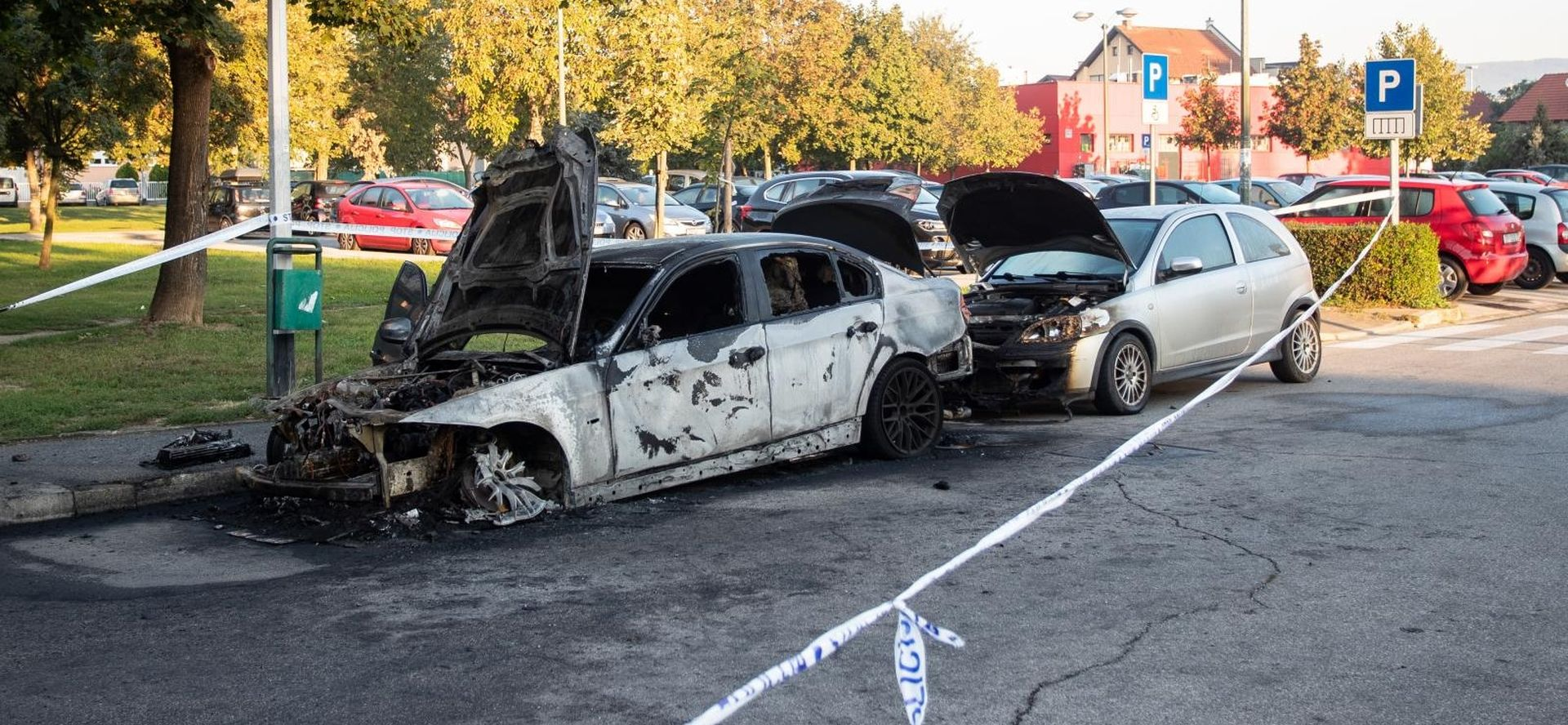 VIDEO: U Prečkom noćas gorjela dva automobila