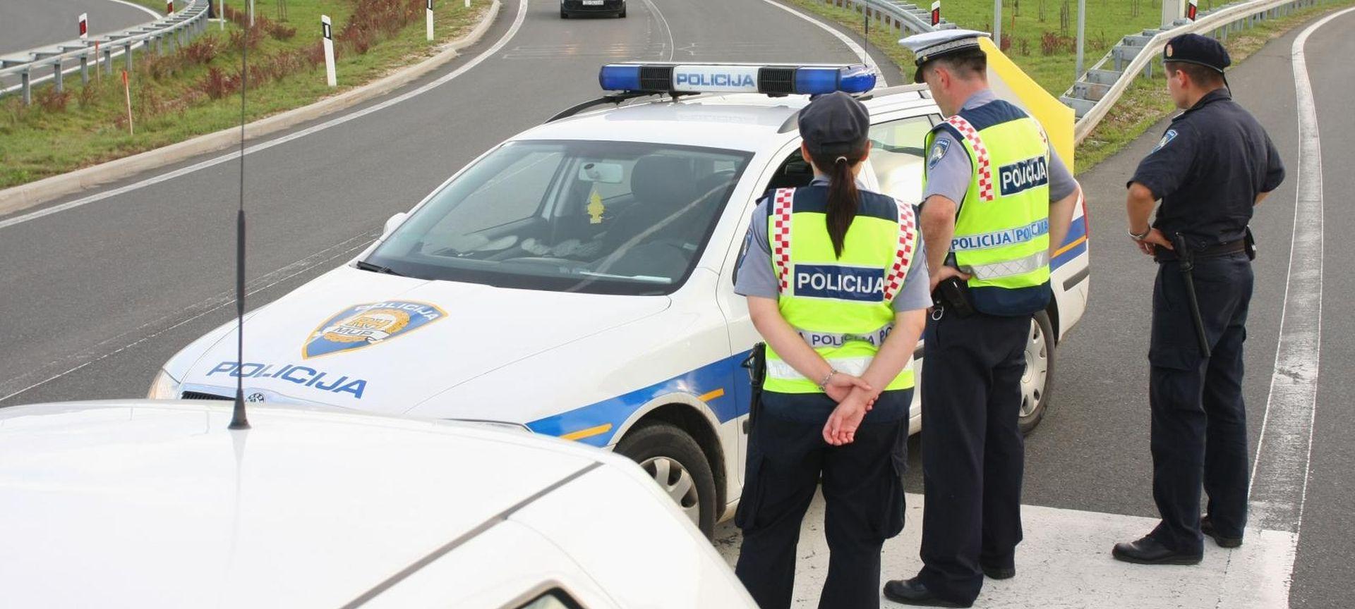 DETALJI NESREĆE Pretrčavao autocestu pa na njega naletjela dva auta