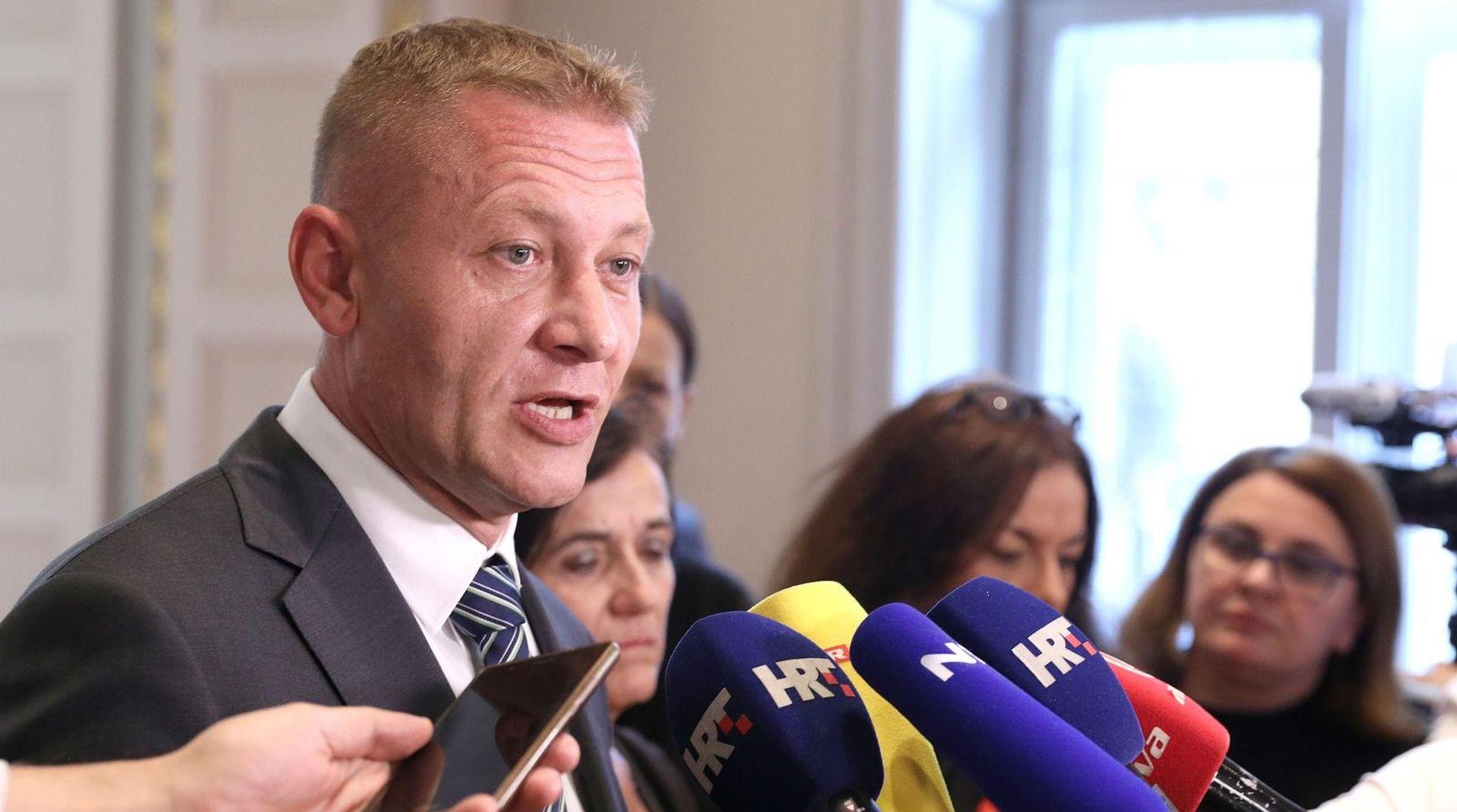 """BELJAK """"Kožić i Bandić su politički hodajući mrtvaci"""""""