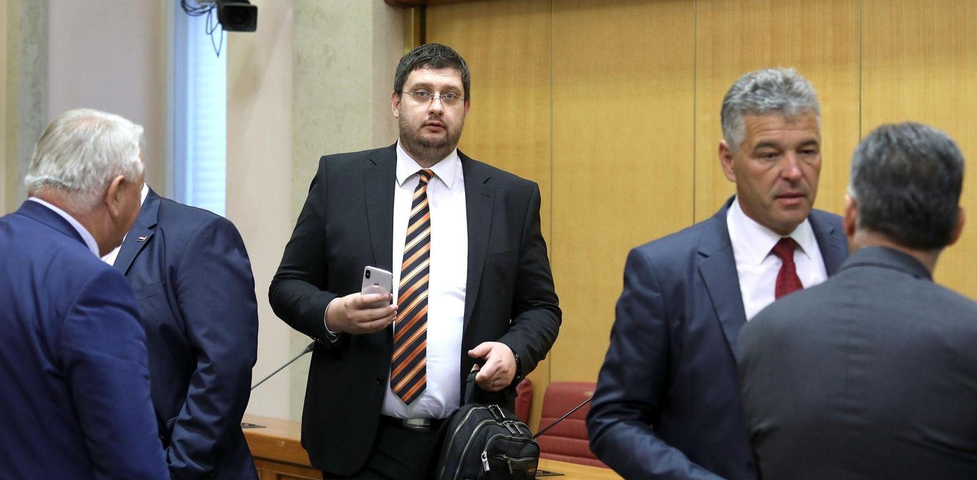 """ČURAJ """"Ako Bandić uđe u Vladu, HNS u njoj neće sudjelovati"""""""