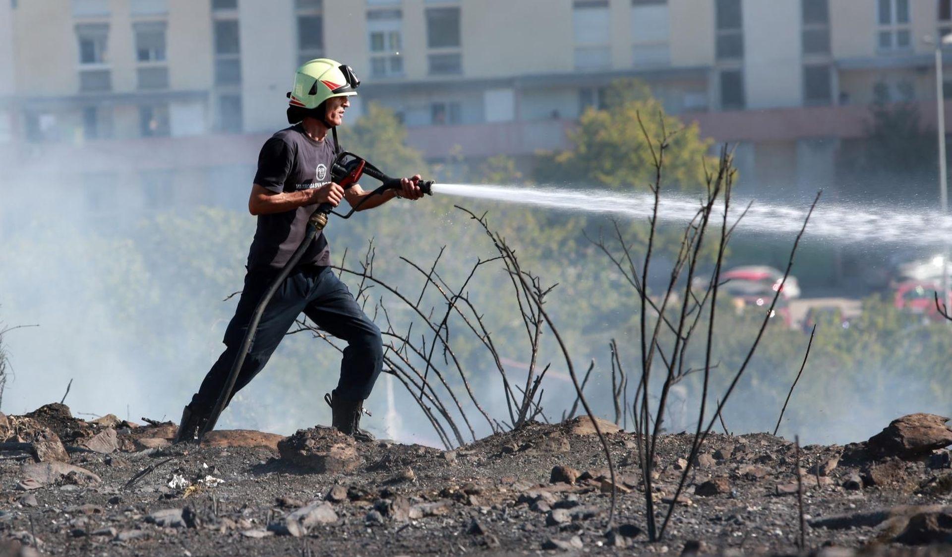 Požar u Splitu, na terenu 30 vatrogasaca