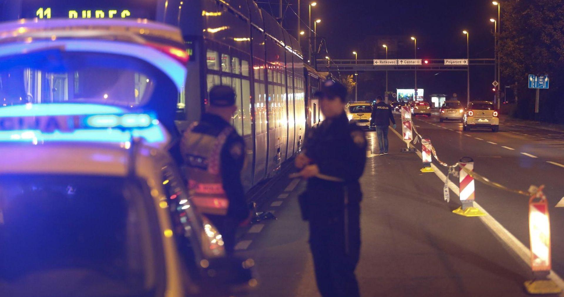 NESREĆA U ZAGREBU Pješak pao pod tramvaj i poginuo