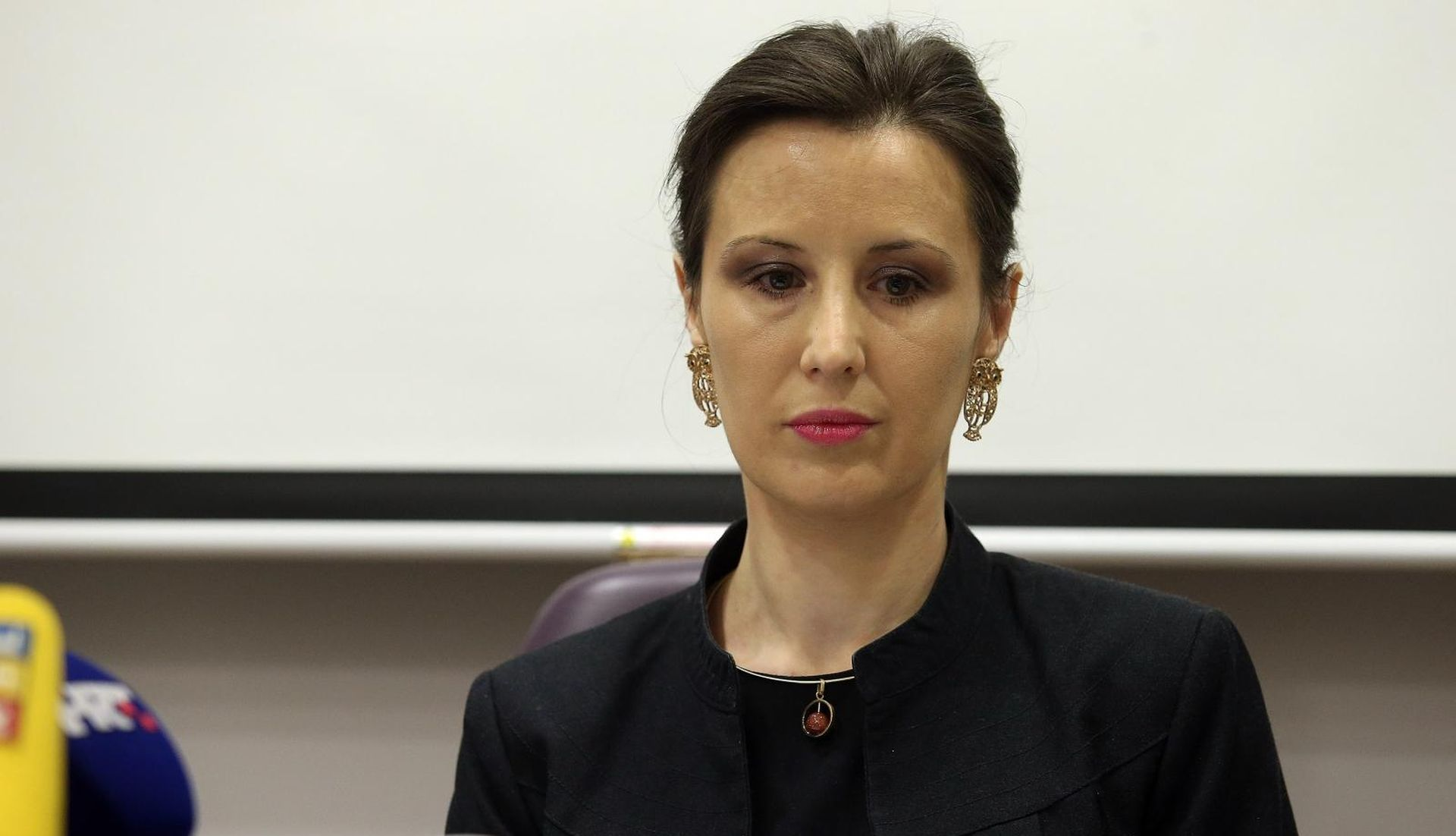 """OREŠKOVIĆ """"Hrvatsku su oteli oni koji manipuliraju pojmom domoljublja"""""""