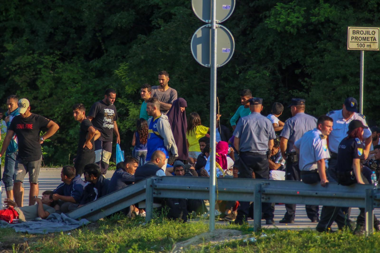 400 migranata na prijelazu Maljevac želi iz BiH ući u Hrvatsku