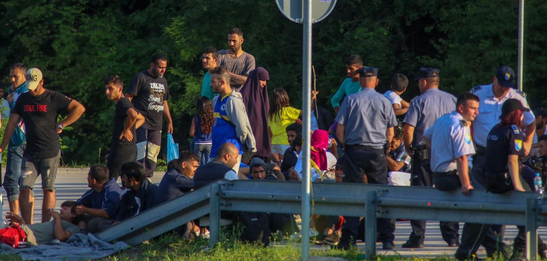 Masovna tučnjava među migrantima u Bihaću, policija upotrijebila oružje