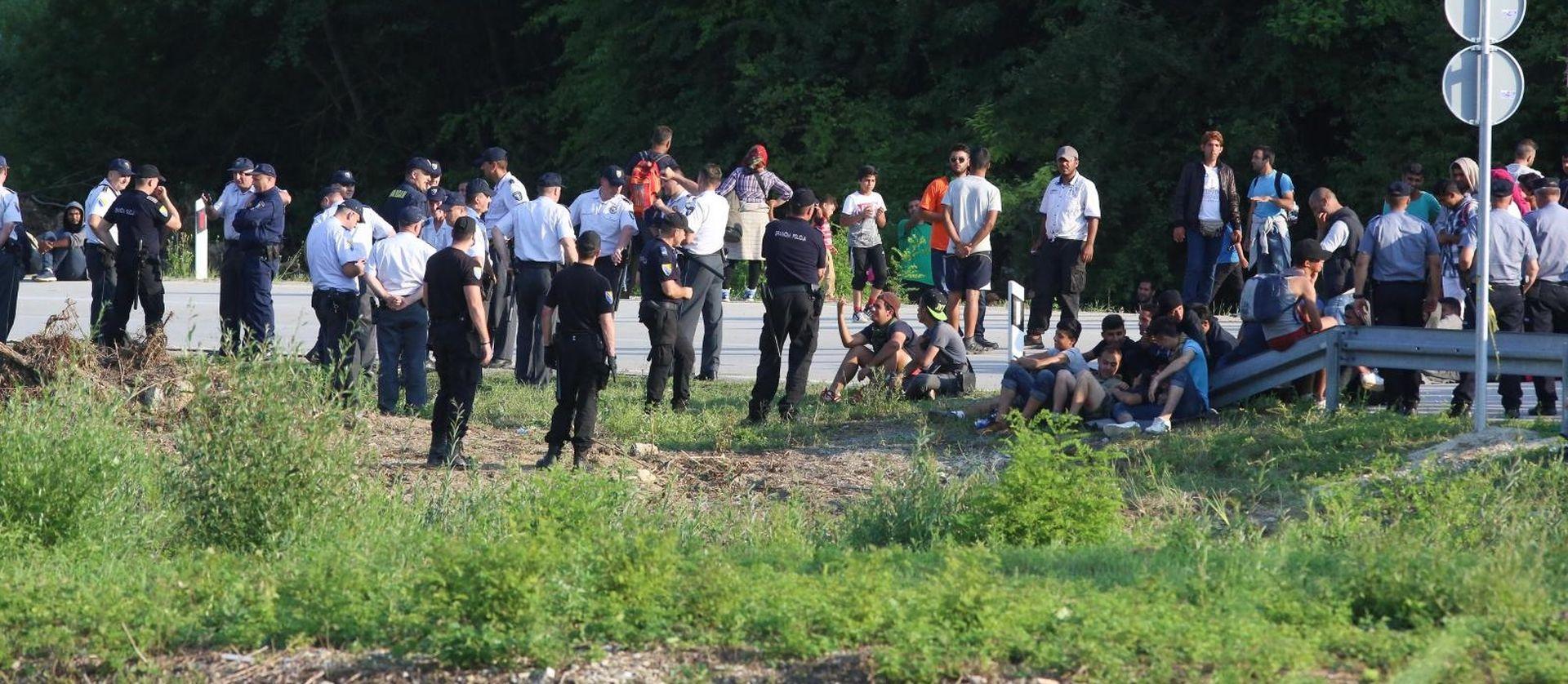 Hrvatska policija stavila fizičke prepreke na granicu