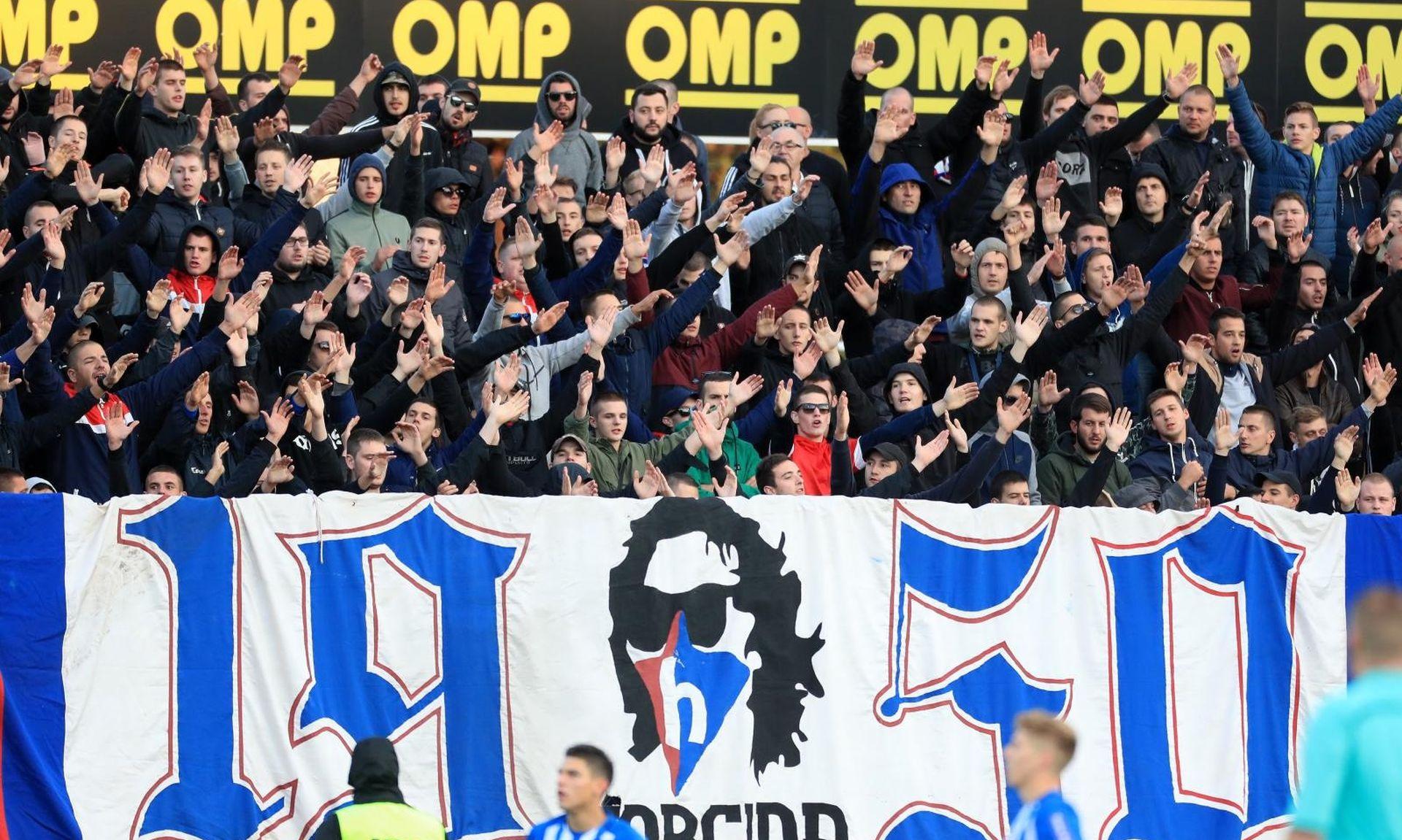 Policija tvrdi da je spriječila sukob navijača Lokomotive i Hajduka
