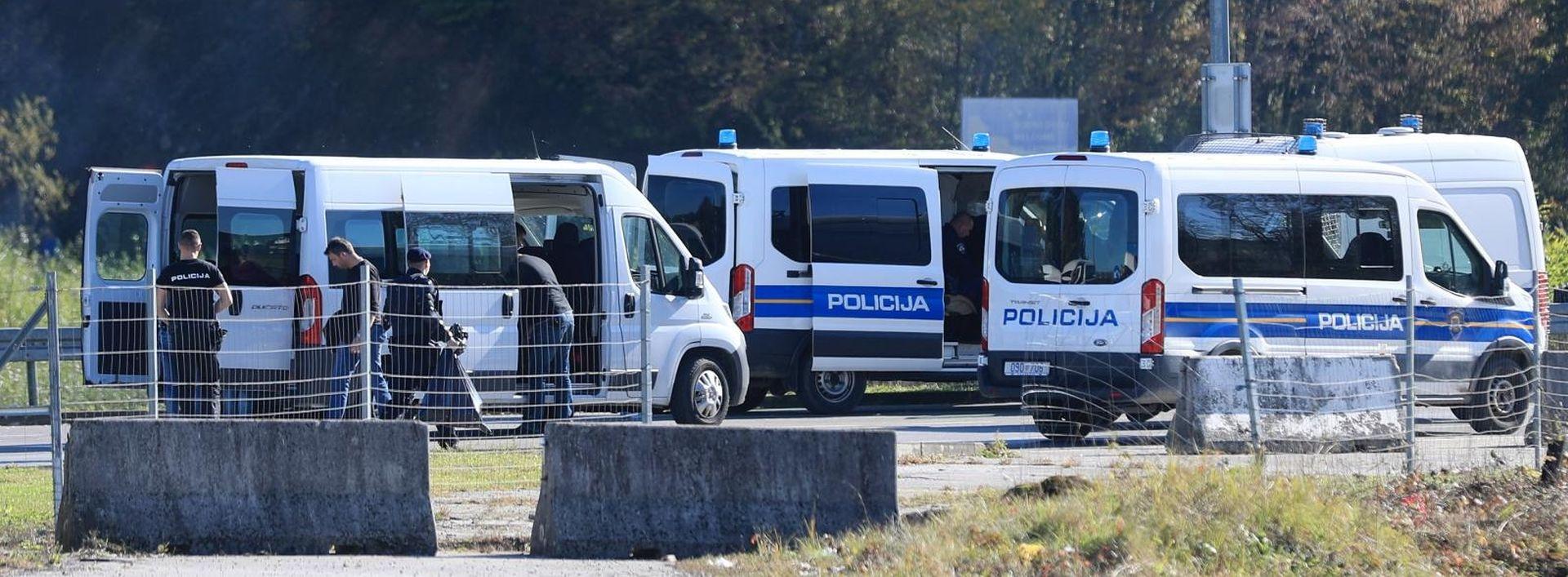 Maljevac i dalje zatvoren, na prijelazu brojni policajci