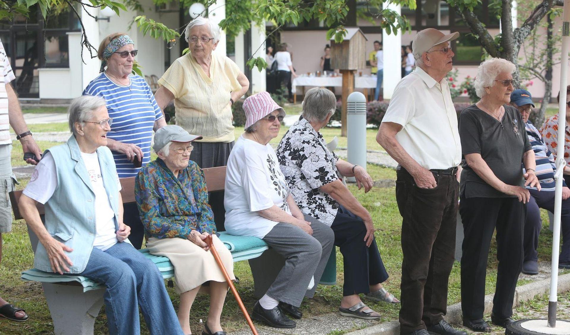 Međunarodni dan starijih osoba u znaku borbe protiv siromaštva u starosti