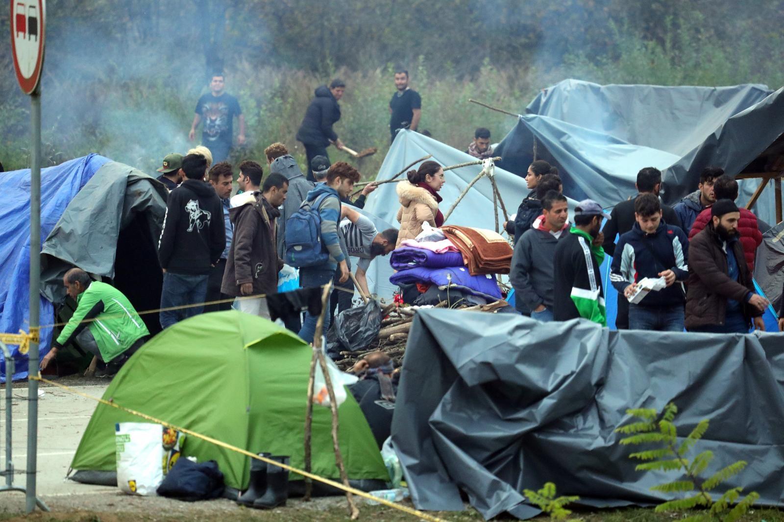 Nitko ne nudi rješenje za migrante na prijelazu Maljevac