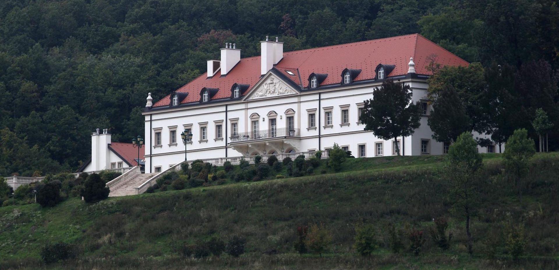Iva Balent popunjava budžet iznajmljivanjem Kulmerovih dvora