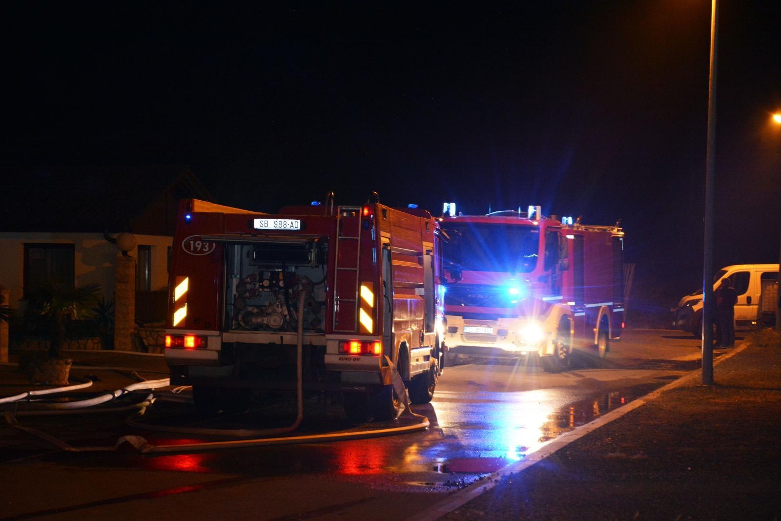 SPLIT Vatrogasci požar na Žnjanu stavili pod kontrolu