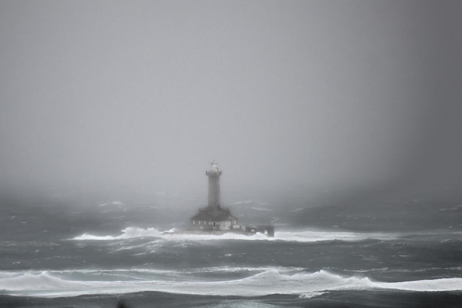 Valovi na Jadranu visoki i do sedam metara