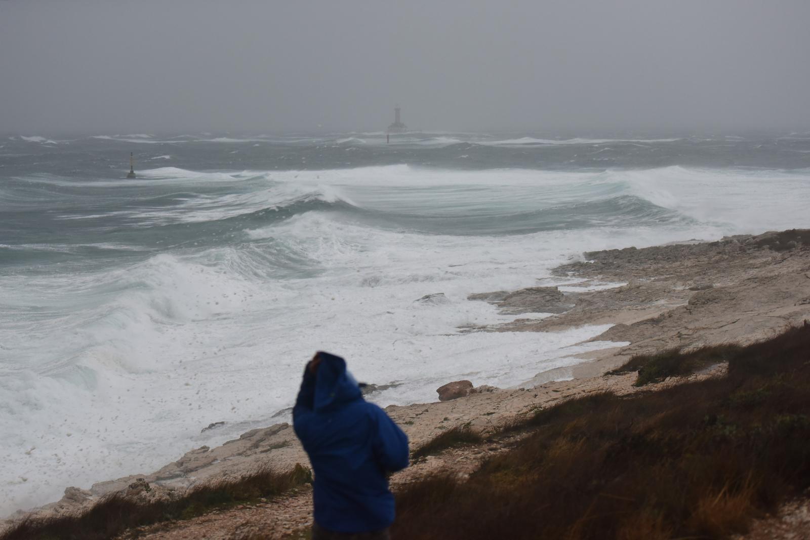 Slovenski surfer živ u Italiji, u moru bio 25 sati