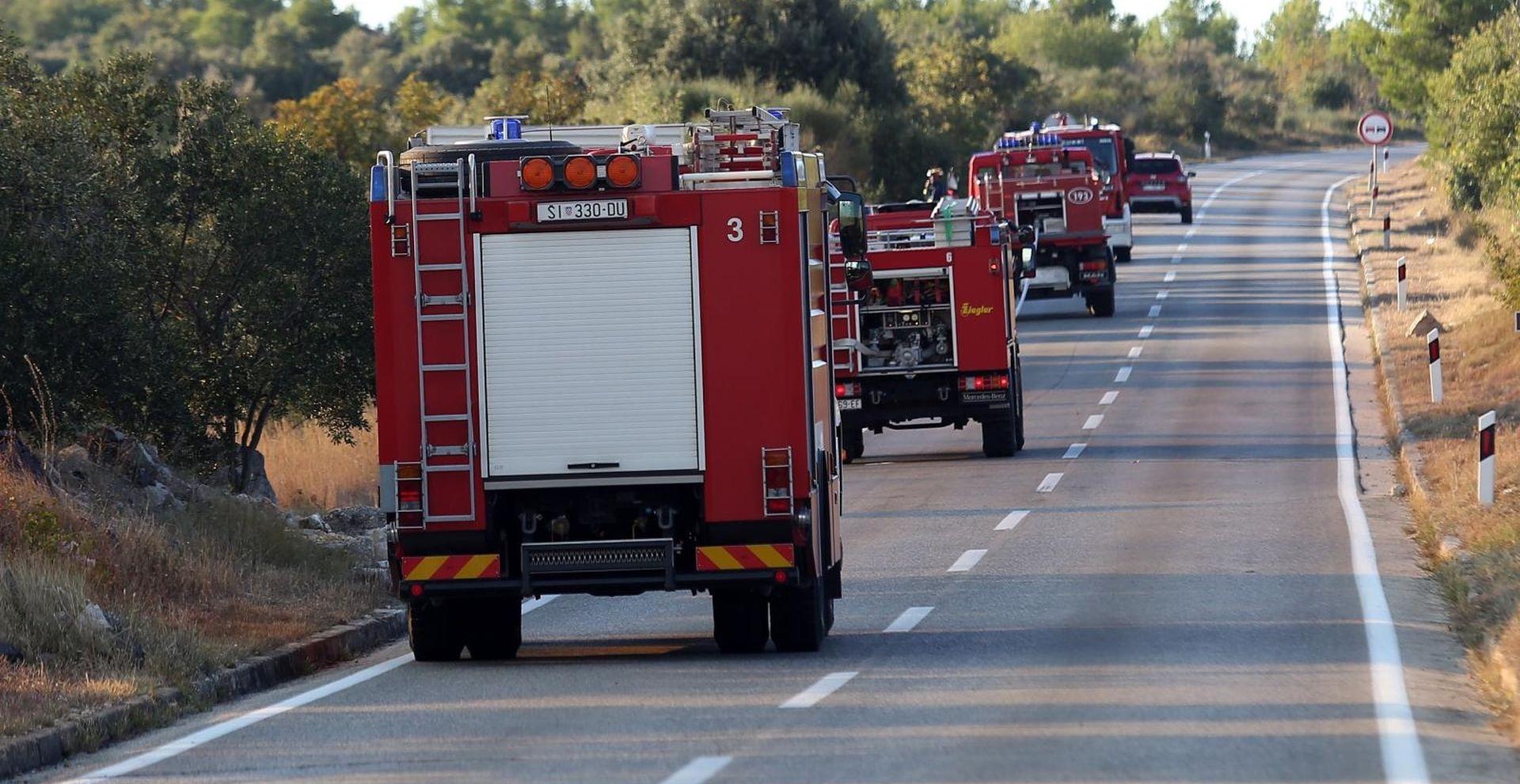 Uzrok požara u Kuli Norinskoj otvoreni plamen