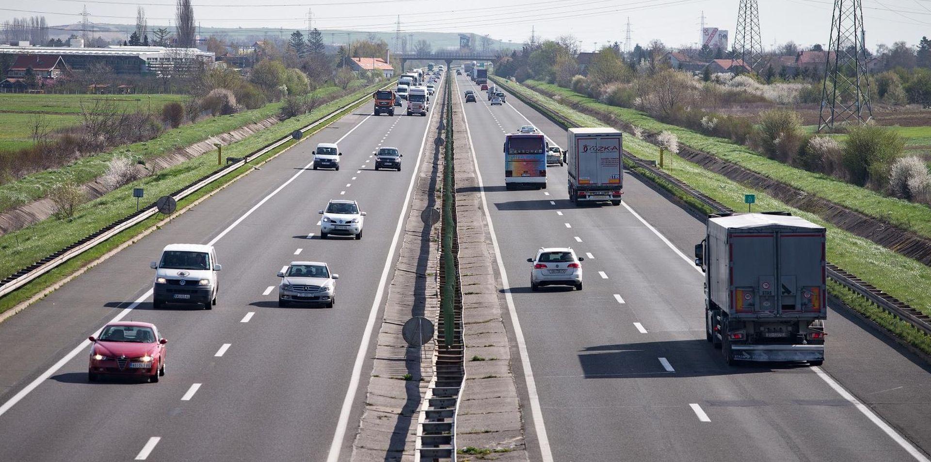 Vjetar usporava vožnju na A6, prometna na zagrebačkoj obilaznici