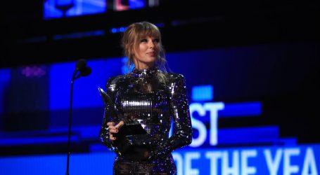 VIDEO: Najljepše haljine na ovogodišnjoj dodijeli American Music Awardsa