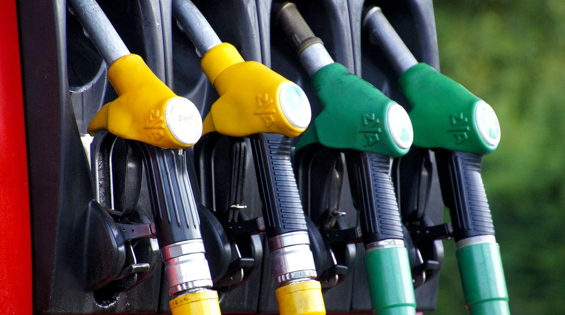PRVI PUT U DESET GODINA Litra benzina jeftinija od litre dizela