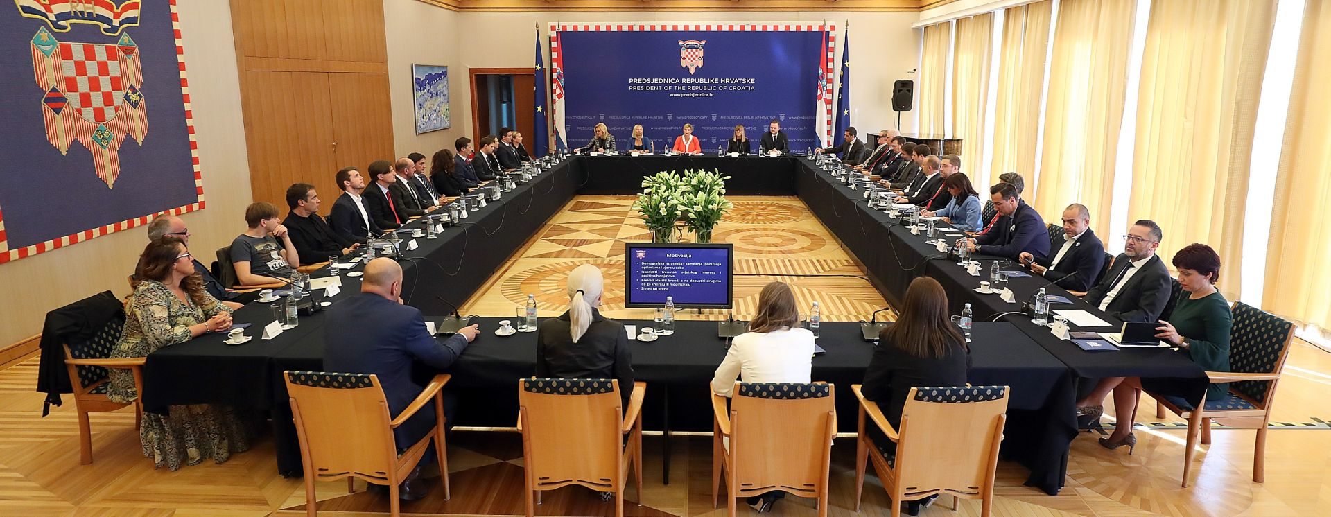 """PREDSJEDNICA """"Stranci imaju bolju percepciju Hrvatske od nas"""""""