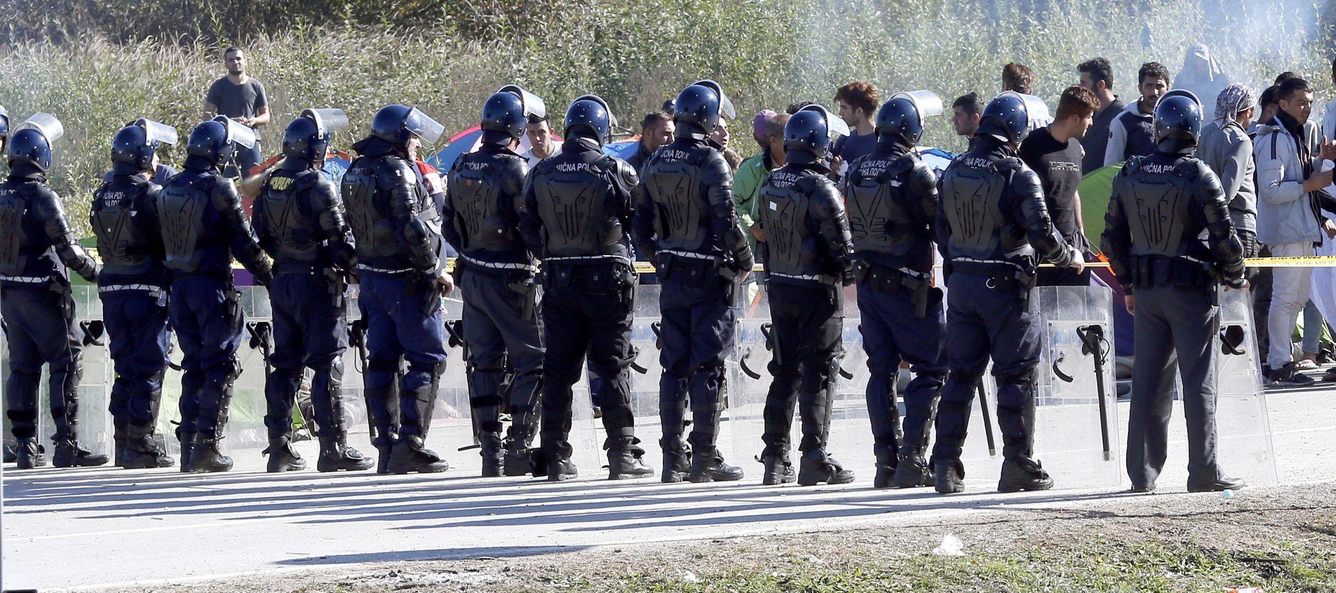 BiH Policija migrante vraća iz Bihaća u Sarajevo