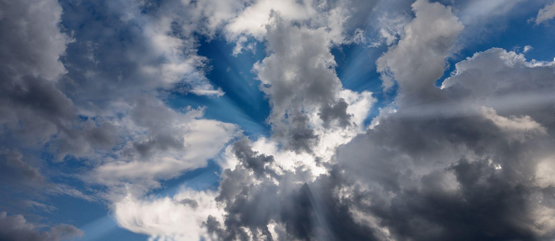 Na Jadranu sunčano, u unutrašnjosti oblačno, poslijepodne razvedravanje
