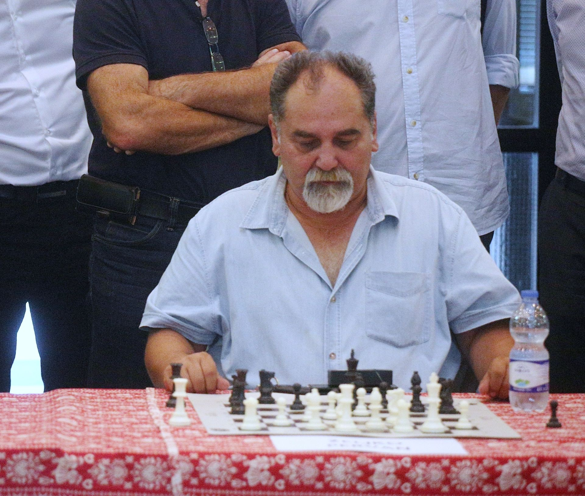 SP šah: Carlsen i Caruana remizirali u prvoj partiji