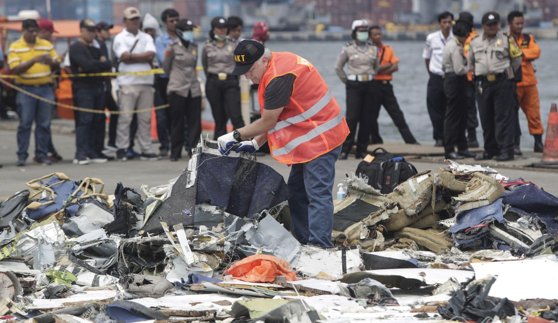 Pronađena jedna od dvije crne kutije iz zrakoplovne nesreće u Indoneziji