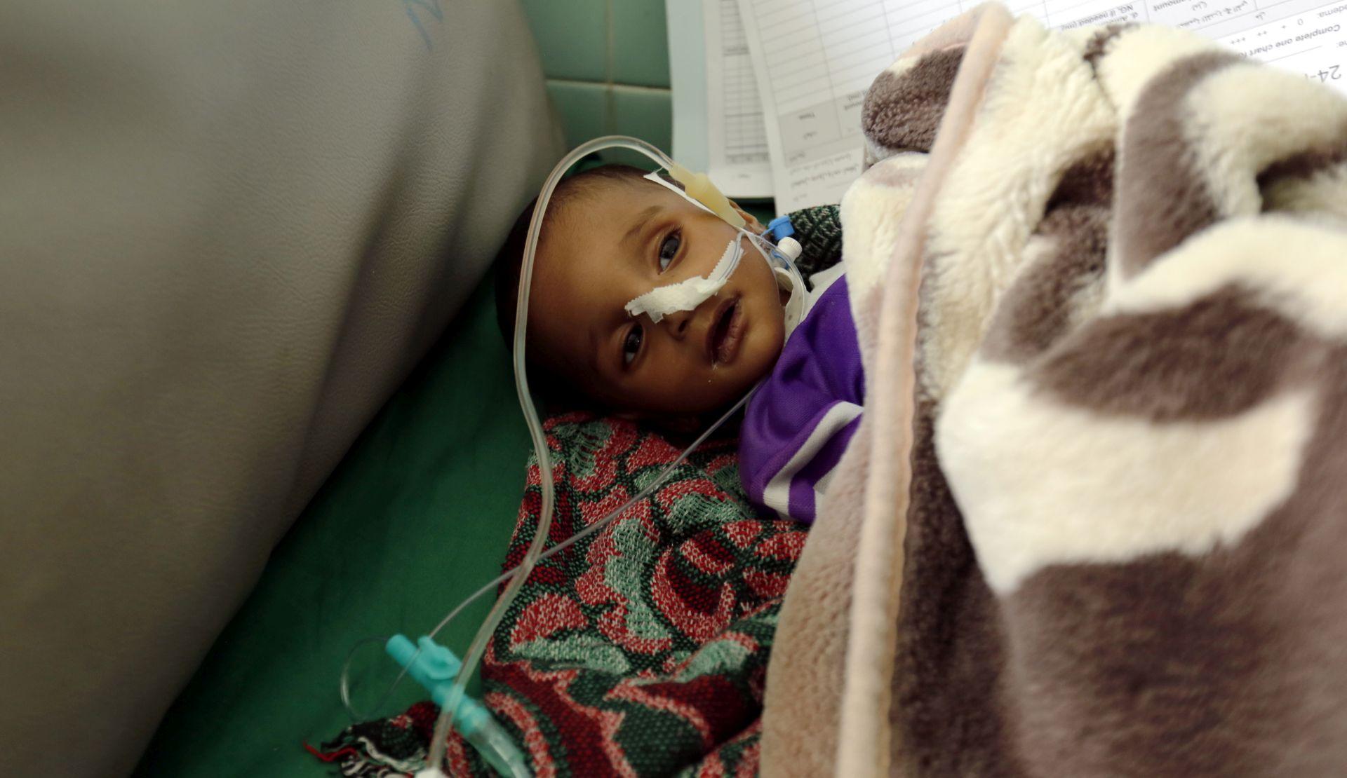 U Jemenu od gladi ili bolesti umrlo 85 tisuća djece