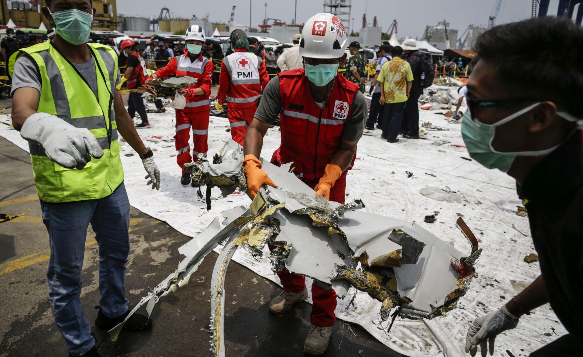 Potraga za drugom crnom kutijom nakon pada aviona u Indoneziji