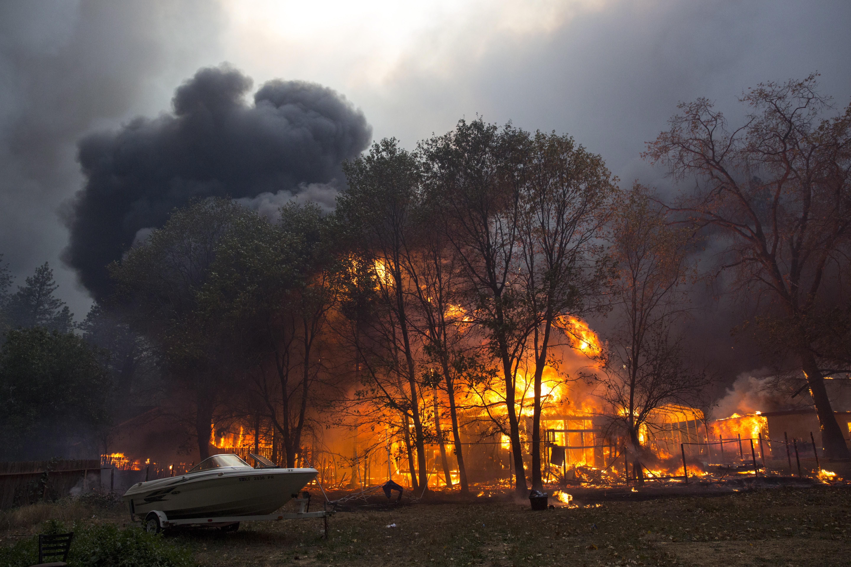 KALIFORNIJA Petero mrtvih u požaru, Malibu prisiljen na evakuaciju