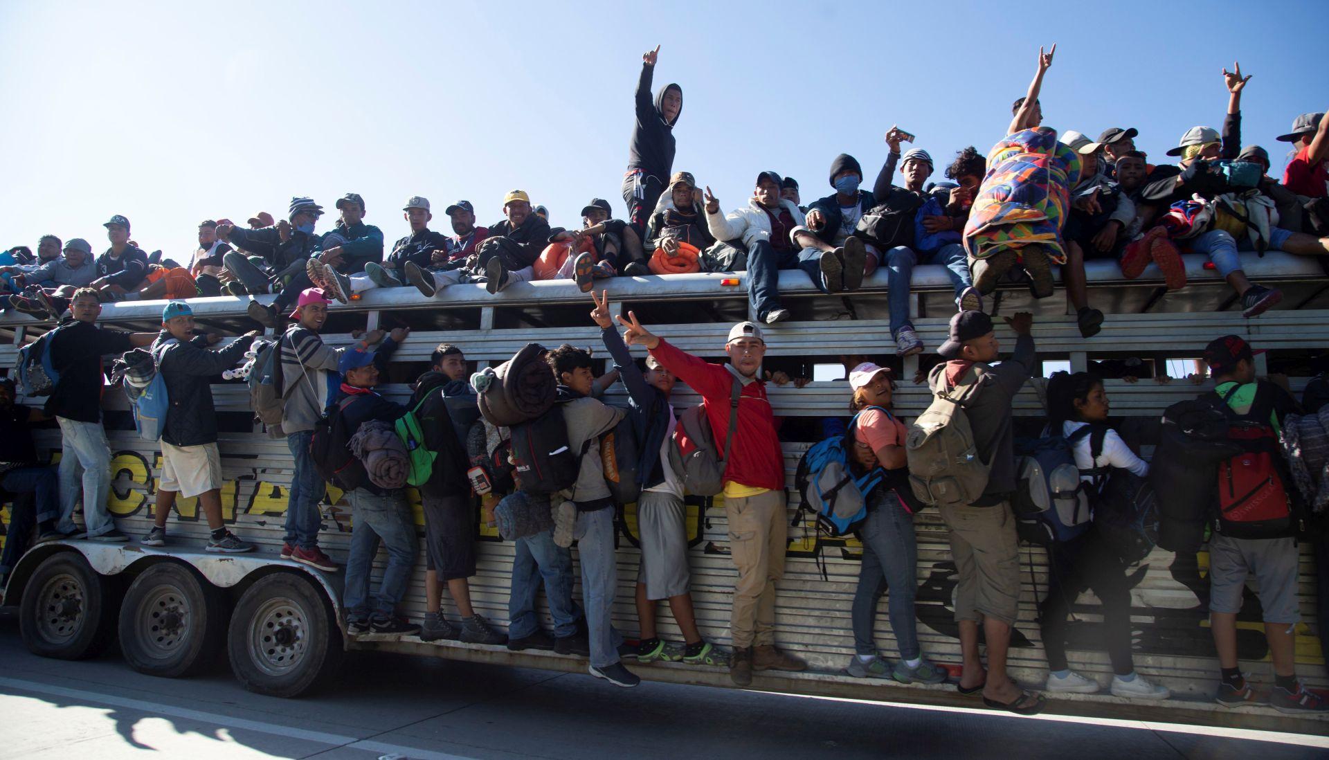 Je li migrantska karavana doista sigurnosna prijetnja za SAD?