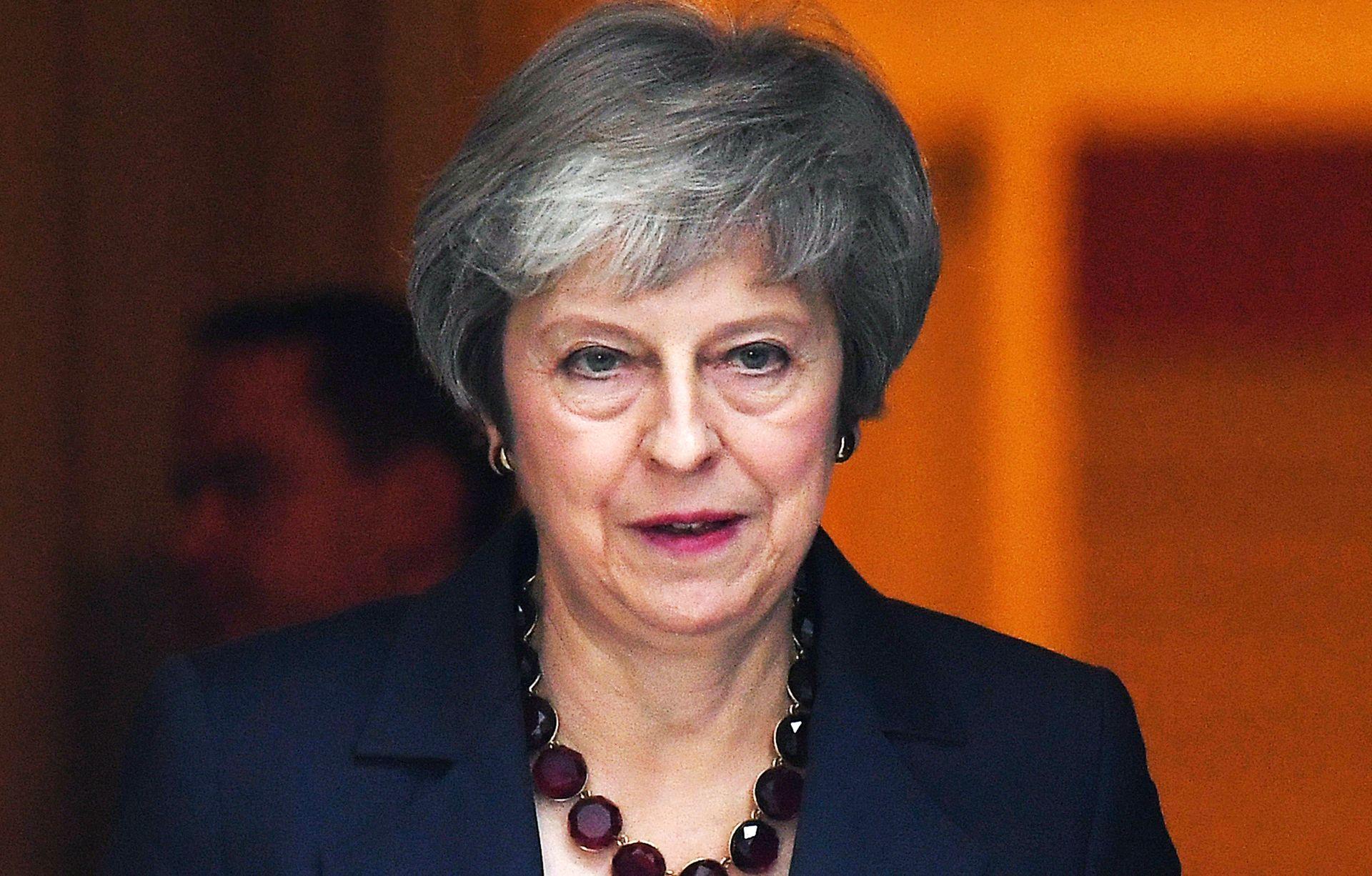 May stala u obranu svog sporazuma o Brexitu