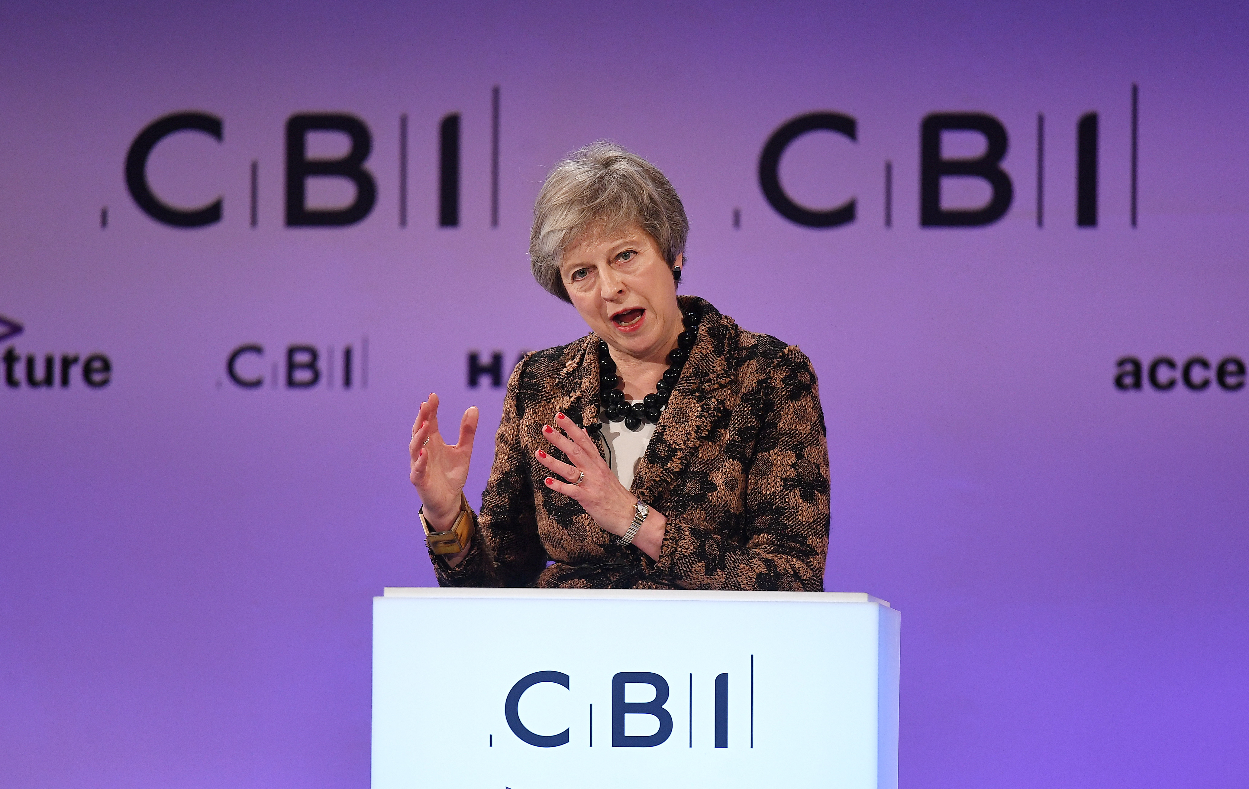 Poslodavci podupiru dogovor Therese May o Brexitu