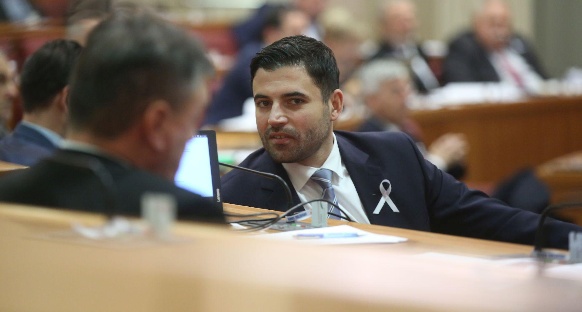 """BERNARDIĆ """"Neka ministrica jedan dan bude u istospolnoj zajednici"""""""