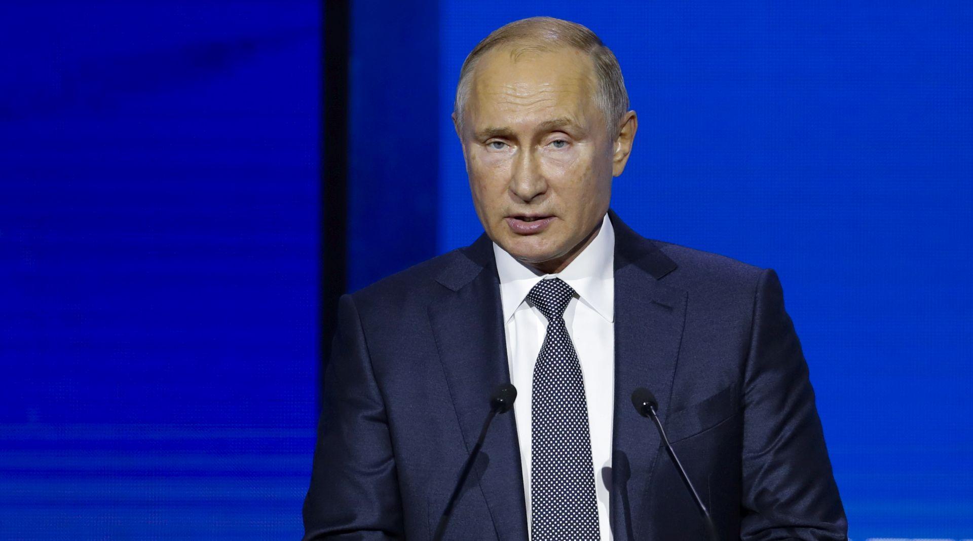 Putin za sukob u Kerčkim vratima okrivio Porošenka