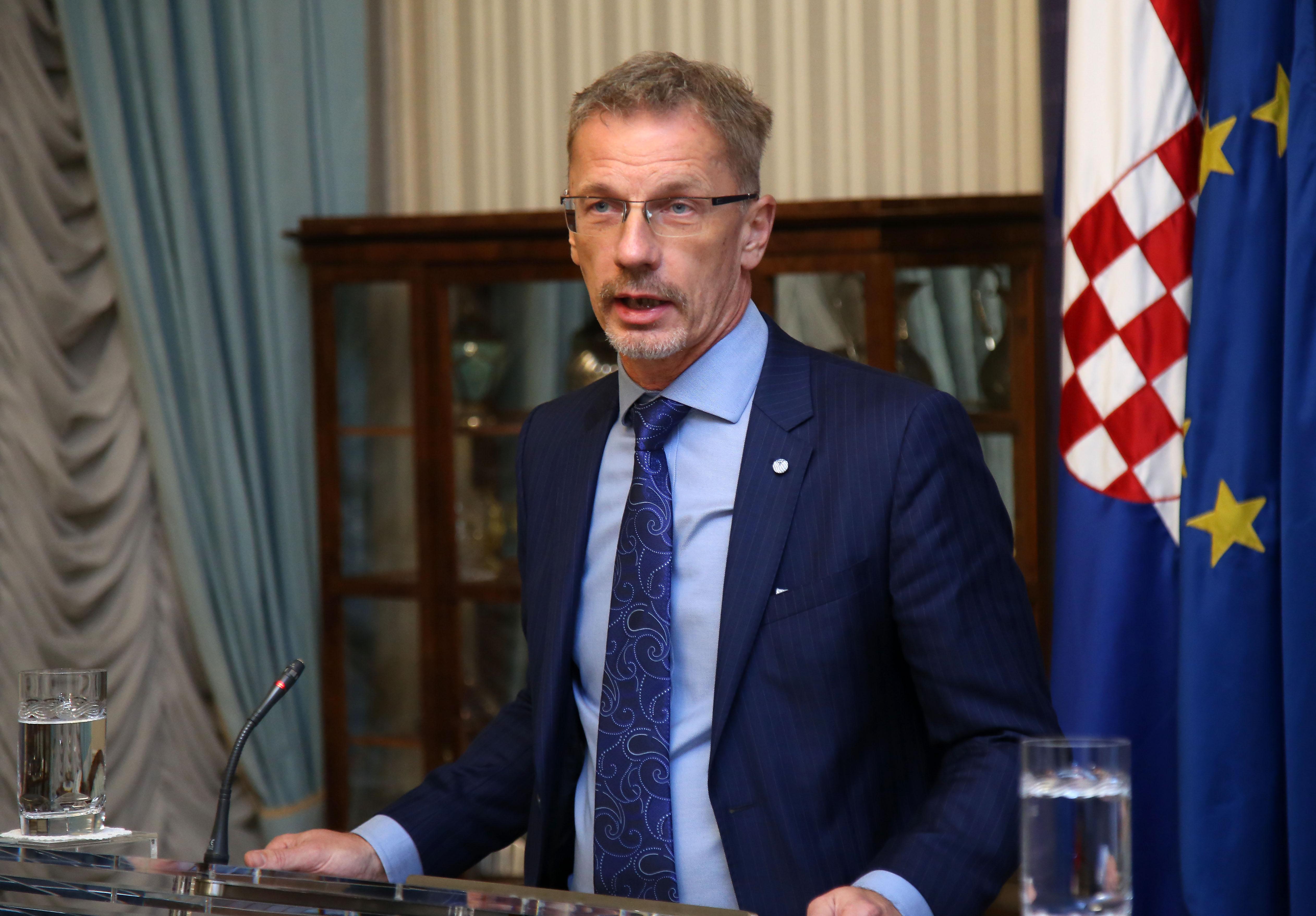 VUJČIĆ 'Ulaskom u eurozonu građani neće imati troška oko konverzije