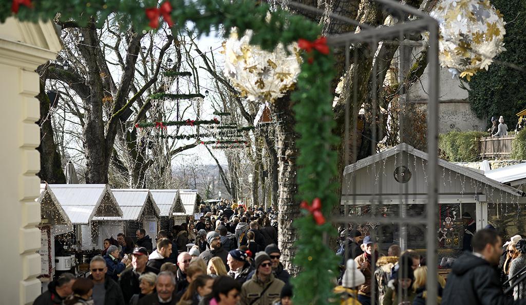 Ove godine Advent na Strossu uz plinske fenjere