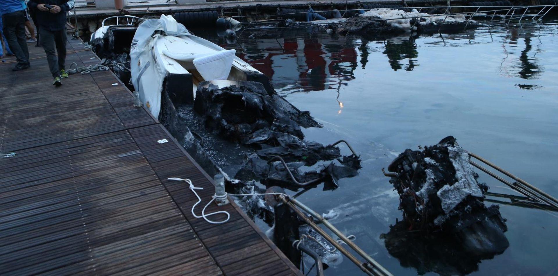 U lučici kod Makarske izgorjela tri broda, šteta velika