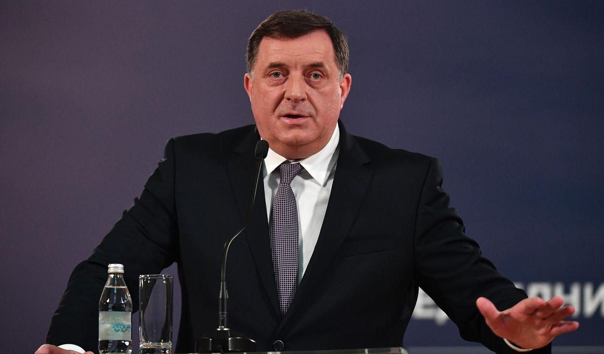 Konstituirano novo Predsjedništvo BiH, prvi predsjedatelj Dodik
